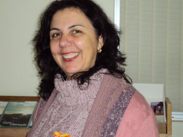 ROSANE TERESINHA HOPER co-fundadora e formadora